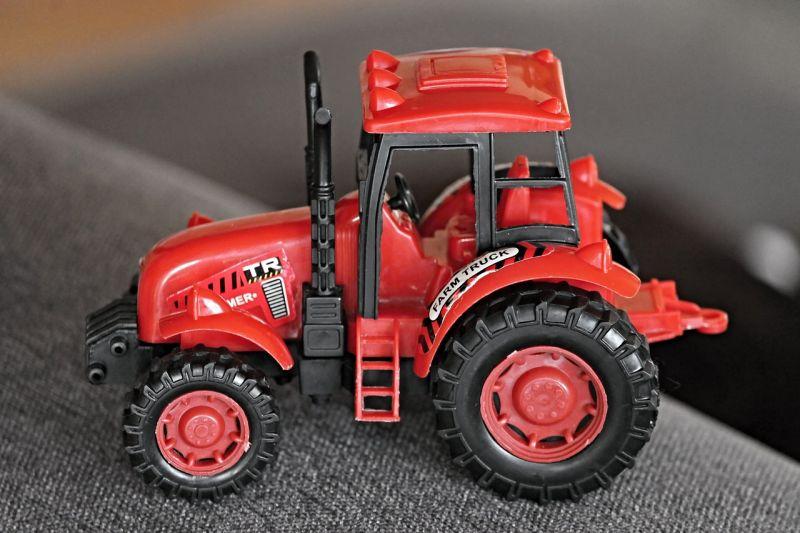 A 32 éves hajdúdorogi nő nem létező traktorral 400 forinttal verte át a vevőt