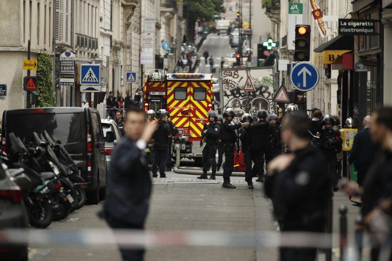 Túszokat ejtett egy fegyveres Párizs 10. kerületében