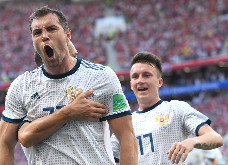 Tombol Oroszország: kiejtették a spanyolokat, legjobb nyolc közé jutott a válogatottjuk