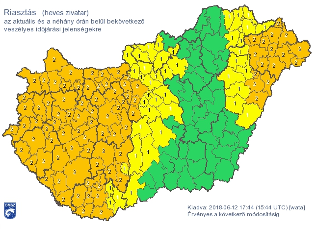 Narancsárga riasztást kapott a fél ország, heves zivatarokra figyelmeztetnek