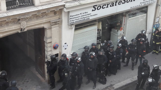 Véget ért a párizsi túszdráma, senki sem sérült meg
