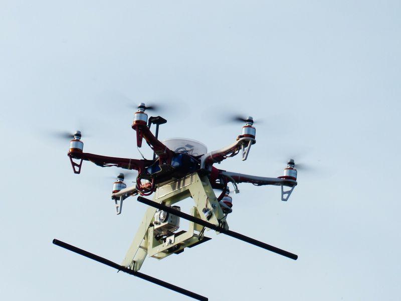 Drónokat is bevetne a mentőszolgálat, hogy gyorsabban elérjék a betegeket