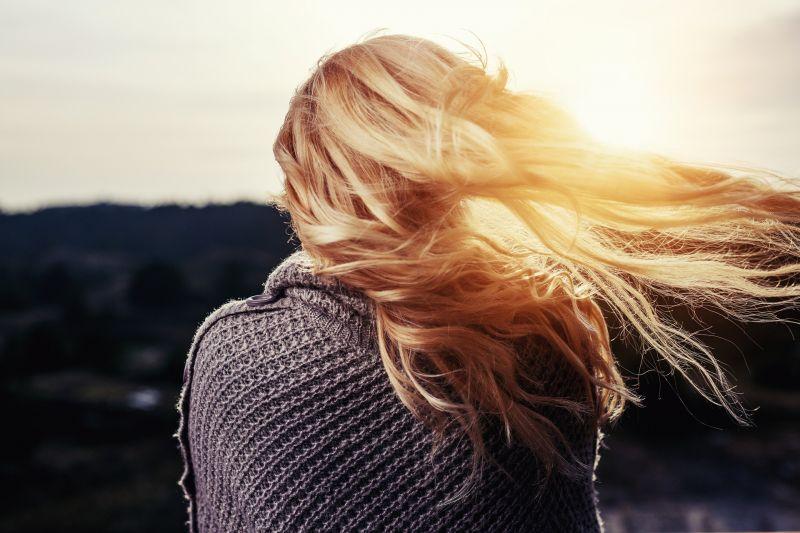 Ma a ragyogó napsütés mellett is fázhatunk