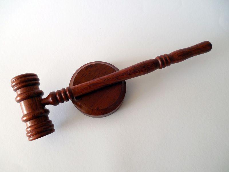 Hét év börtönre ítélték a bántalmazásban meghalt recski csecsemő apját
