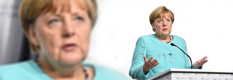 Merkel: a magyar kerítés Németországot is védi