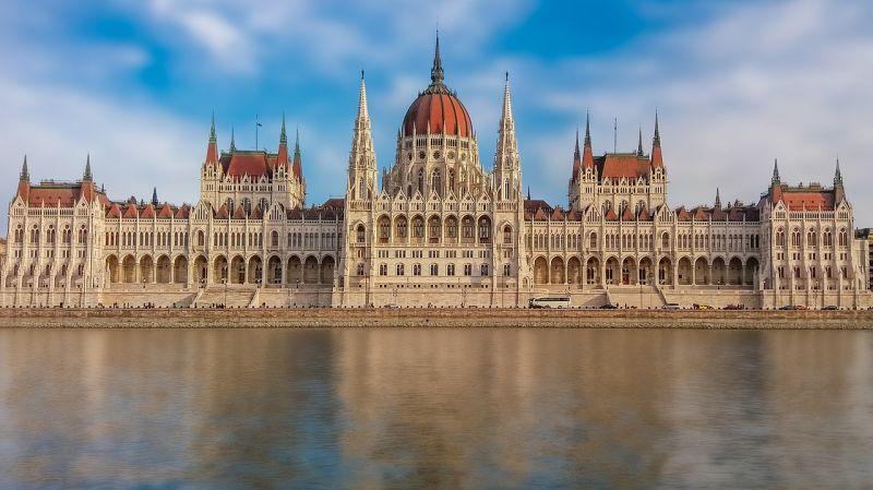 Szerdán szavaz az országgyűlés a Stop Soros-törvénycsomagról