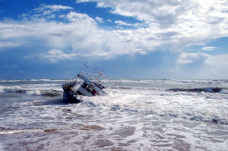 Kétszáznál több migráns fulladt a tengerbe