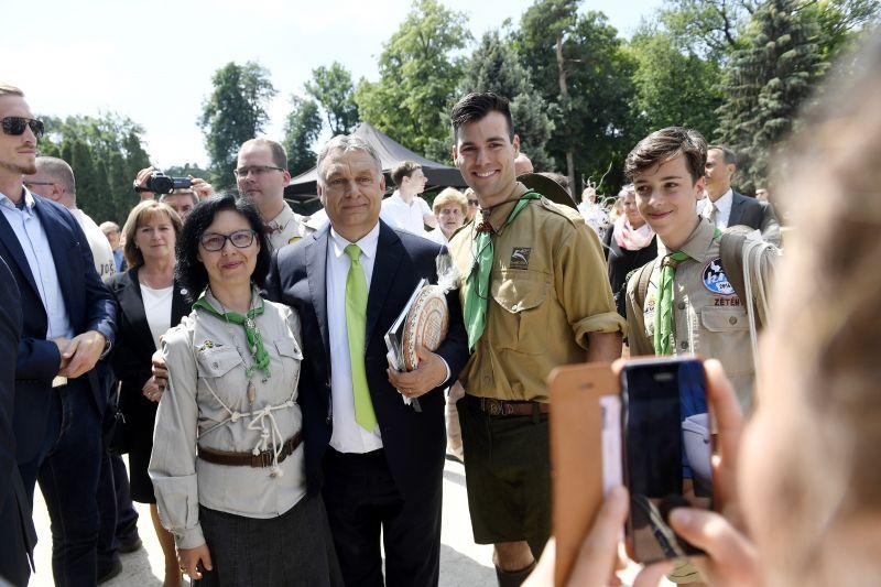 Vallási és származási alapon utasították el a roma fiatalokat a magyar cserkészek?