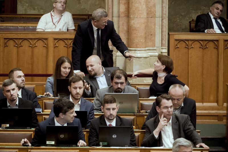 A Jobbiknak sem világos, hová tűnt a pénzük