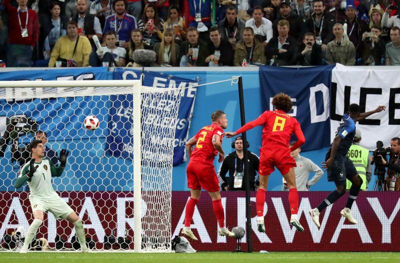 Umtiti fejelte be a franciákat a vébé döntőjébe