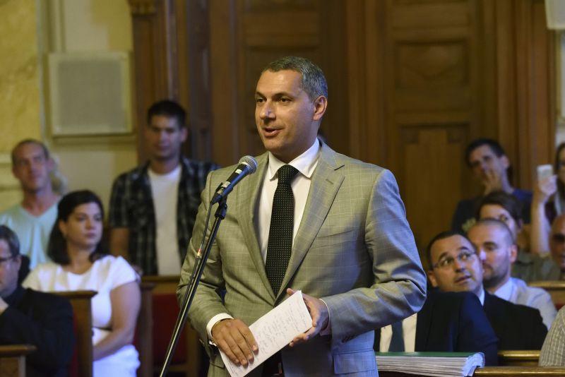 Lázár János cáfolta a polgármesterségről szóló hírt