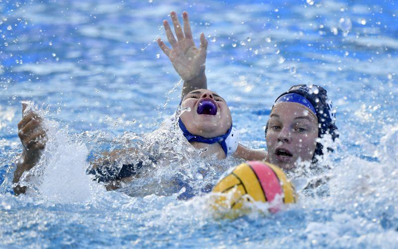 Elverte az oroszokat a magyar női vízilabdacsapat, bekerültek a negyeddöntőbe