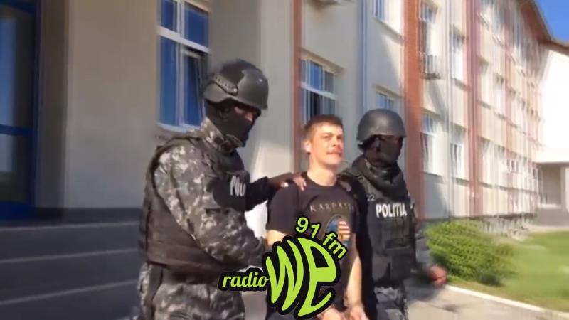 A két magyar aktivista szabadon engedéséért tüntettek Kézdivásárhelyen