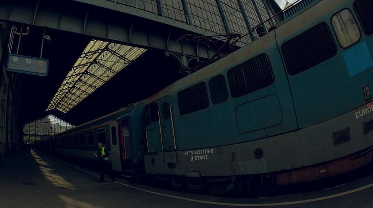Halálra gázolt a vonat egy embert Budapesten