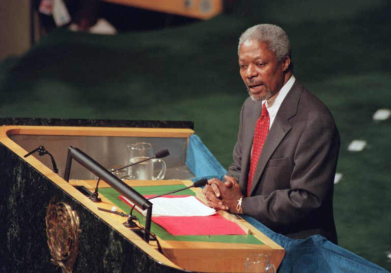 A világ vezetői hajlonganak Kofi Annan emléke előtt