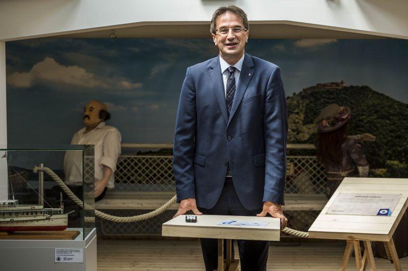 A magyar államtitkár megleckéztette a svéd kormányt