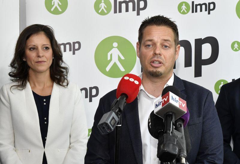 Elemző: Szél Bernadett lemondása után az LMP a Schiffer-féle irányvonalhoz közeledhet