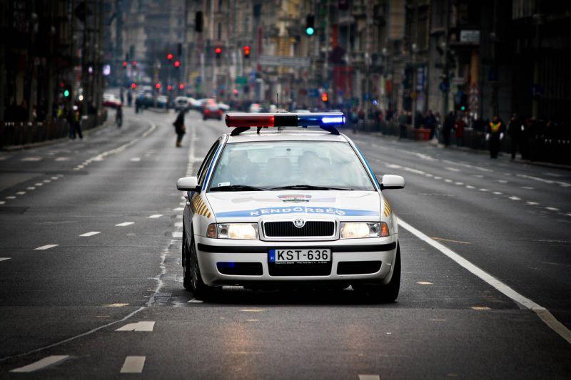 Két halálos baleset, 145 elfogás, 114 tettenérés – ilyen volt a vasárnap a rendőröknek