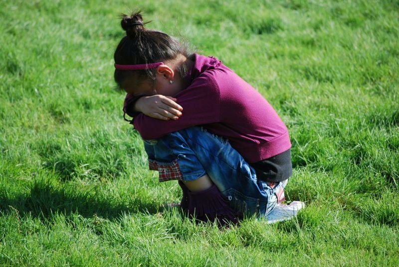 Az autójába csalta, majd megerőszakolta a 10 éves lányt a dombóvári férfi