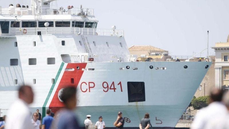 Menekültdráma: saját parti őrségének hajóját nem engedi kikötni az olasz kormány