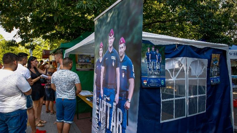 Kiakadt a rendőrség a Népszava határvadász-toborzással kapcsolatos híreire