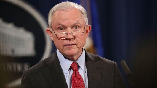 Trump kirúgta az igazságügyi miniszterét