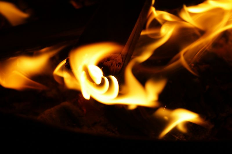 Holttestet találtak egy leégett házban Mány külterületén