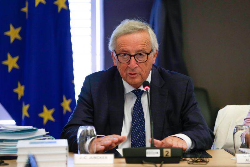 Orbán után most Junckerre figyelnek Strasbourgban