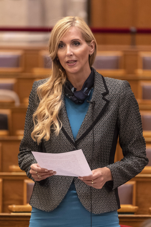 Fidesz: a parlament ne engedjen a bevándorláspárti brüsszeli zsarolásnak!