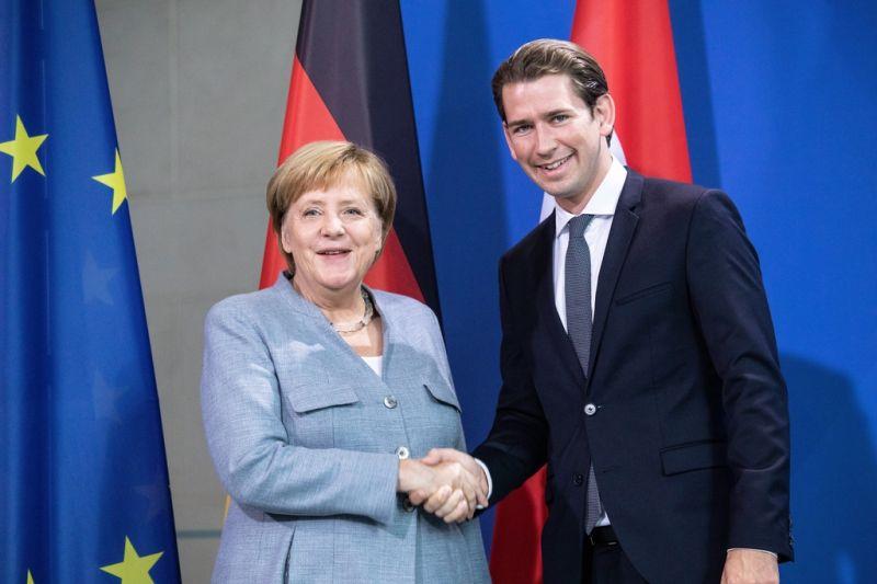 Merkel és Kurz támogatják az uniós határvédelmi elképzeléseket
