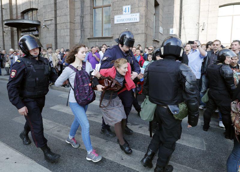 Népirtásnak tartják Putyin nyugdíjreformját, több mint 80 városban tüntettek ellene az oroszok