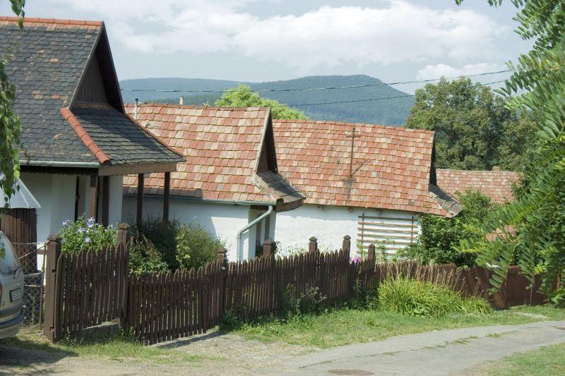 Ennyivel gazdagabbak a budapestiek a Nógrád megyeieknél