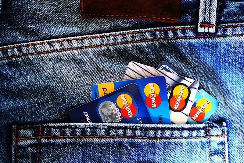 Új bankkártya-rendszert vezet be a Budapest Bank, október végén lesz egy kis leállás