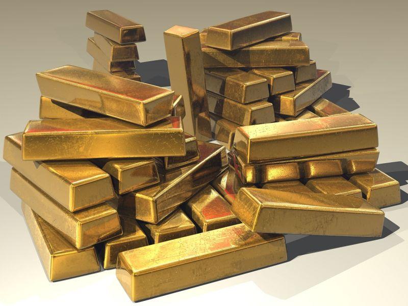 Csalással gyanúsítanak egy befektetési aranyat kínáló férfit, 450 milliós a kár