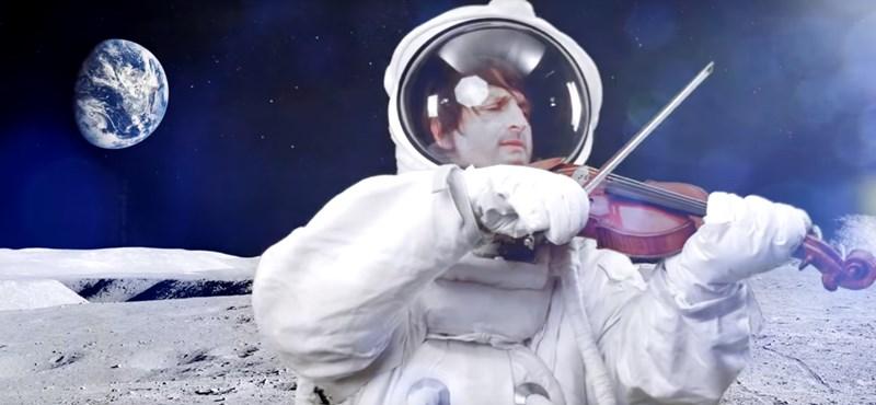 Edvin Marton egészen a Holdig repült hegedűjével