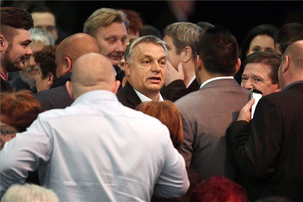 """Weber: Orbán pártja """"semmilyen engedményt"""" nem fog kapni"""