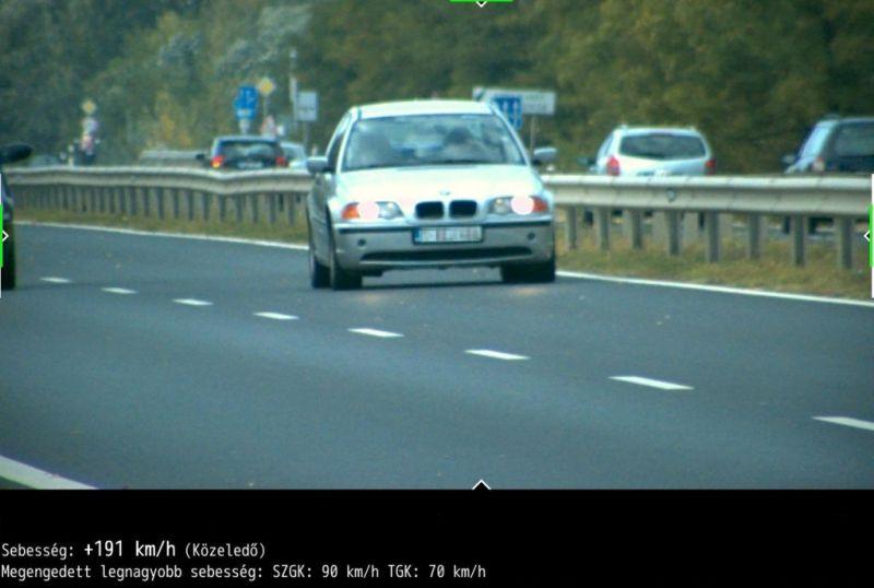 Rekordsebességgel, 191 km/h-val száguldozott egy autó az egyik főúton