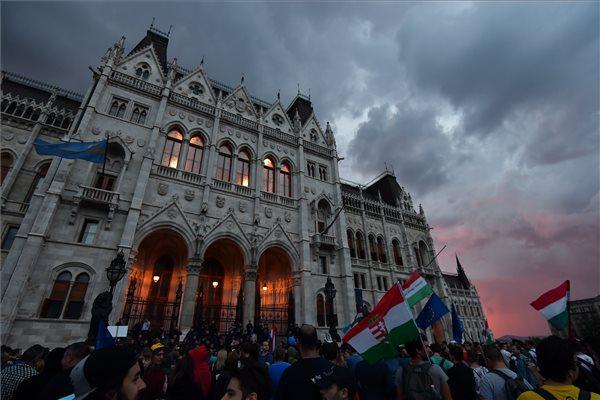 """""""Magyarország nem Orbán Viktor!"""" – Tüntetés lesz Budapesten a Sargentini-jelentés margójára"""