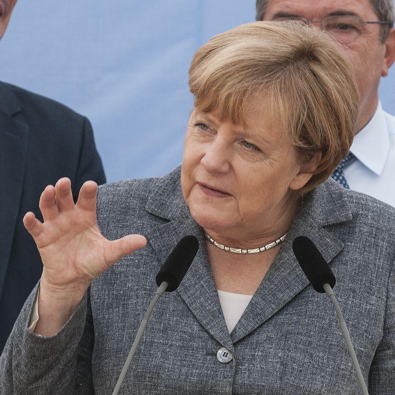 Angela Merkel: a bizalomvesztésnek tulajdonítható a bajorországi választási eredmény