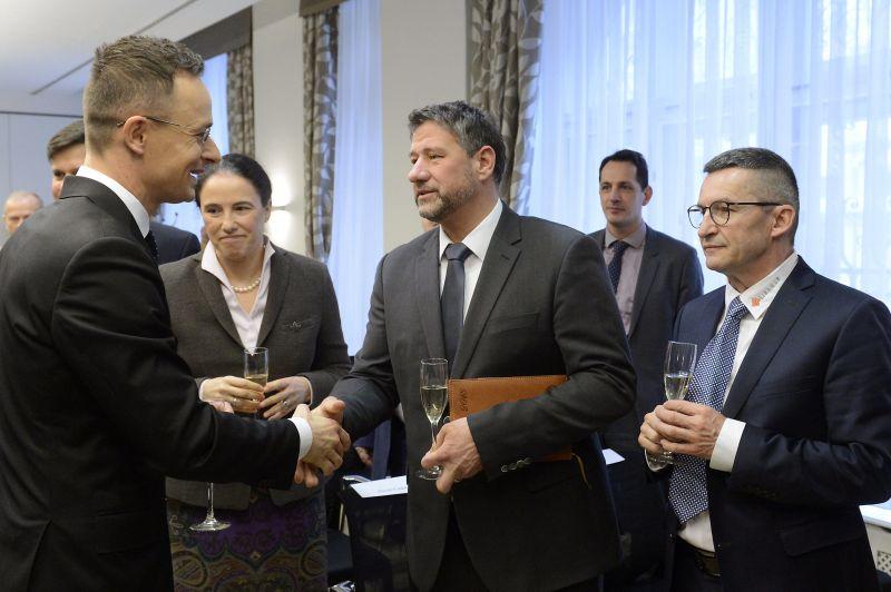 Fideszes képviselő az 1,4 milliárdos maffiavádról: igen, hallottam én is a híreket