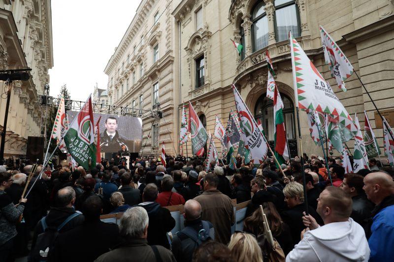 Jobbik: nincs kiegyezés az Orbán-rendszerrel
