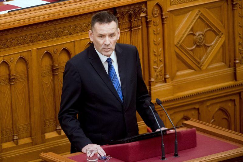 Hárman is kilépnek a Jobbikból, köztük Volner János korábbi alelnök