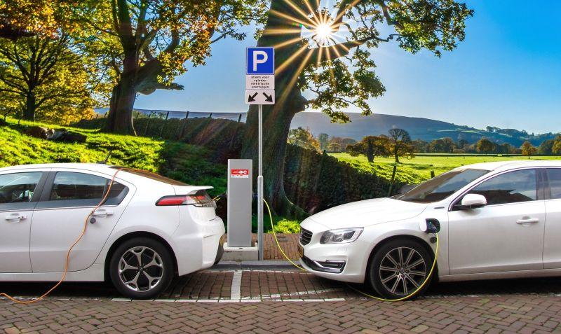 Újraindult az elektromos autók vásárlását támogató pályázat