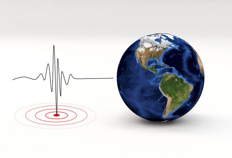 Újabb, gyilkos erejű földrengés rázta meg Indonéziát