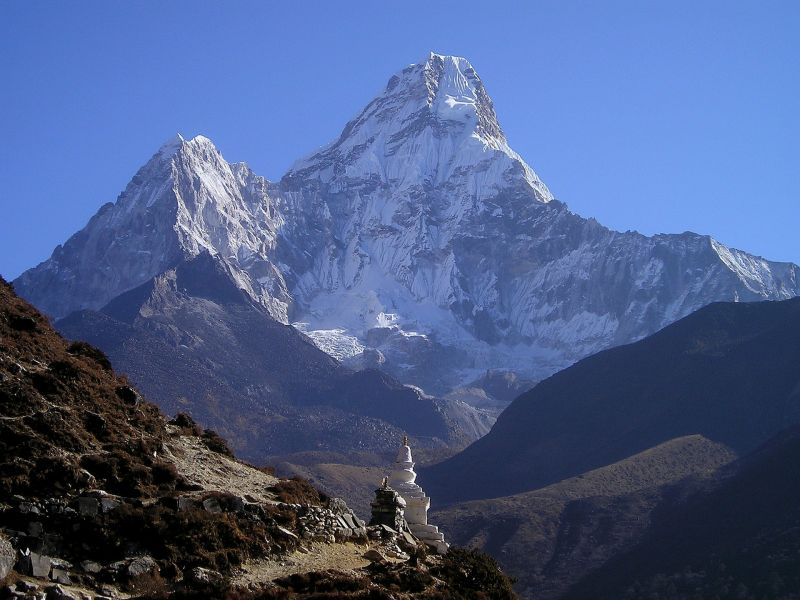 Nyolcan meghaltak a Himaláján