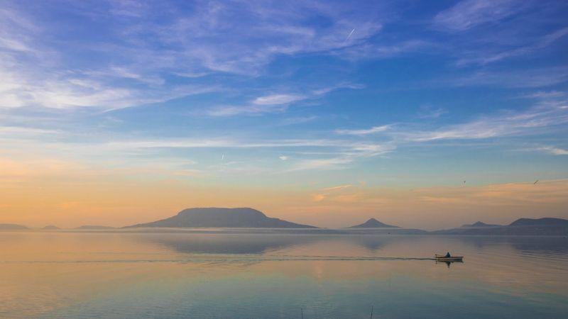 Luxusadót akar kivetni a part melletti tulajdonosokra Siófok polgármestere