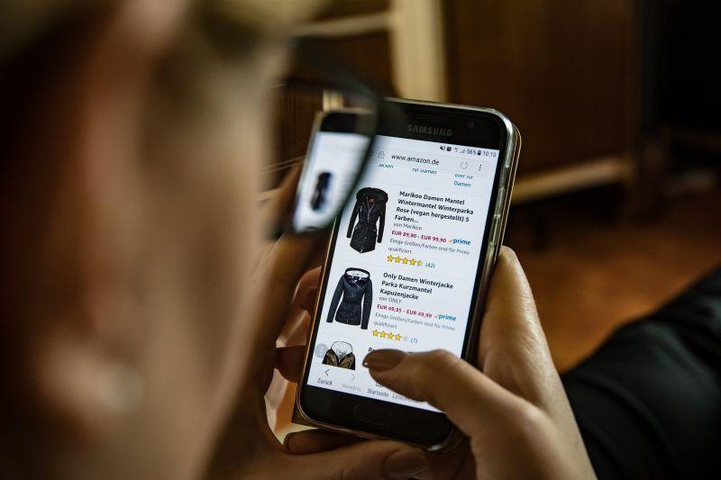 Kevesebb a csaló az online vásárlásoknál