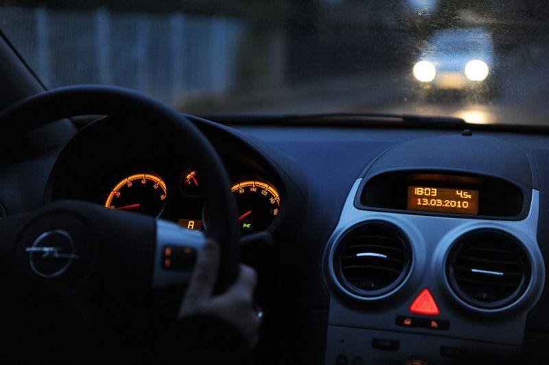 96 ezer Opelt hívnak vissza károsanyag-kibocsátási manipuláció miatt