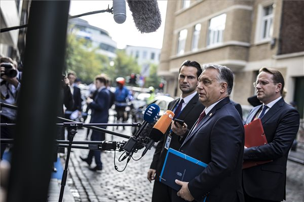 """Orbán: """"Harcban állunk, de jól állunk"""""""