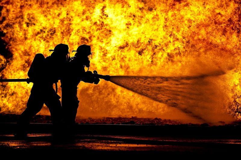 Tűz ütött ki egy faipari üzem raktárában Vas megyében